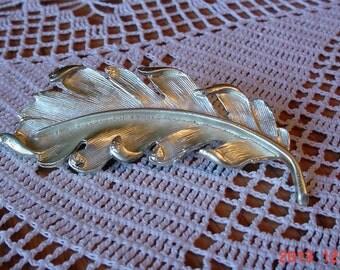 Vintage Silver Metal Ladies Feather Brooch Pin