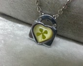 Shamrock Clover Necklace Luck Necklace Saint Patrick Day Irish shamrock 4 Four Leaf Lucky Clover in resin nacklace Worldwide Free Shipping