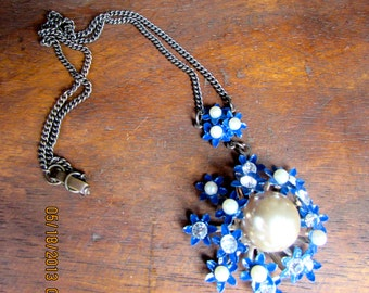 Vintage Blue Rhinestone and Pearl Necklace