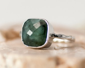Raw Emerald Ring Silver - May Birthstone Ring - Solitaire Ring -  Gemstone Ring - Stacking Ring - Sterling Silver Ring - Cushion Cut Ring