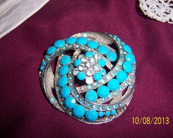 Beautiful Domed Intricate Turquois Colored Brooch