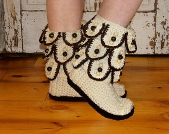 Free Crochet Pattern For Mukluk Boots |  www.colorsutra.com
