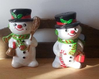Vintage Decor, Kitchen Decor, Vintage Kitchen, Christmas Decor, Retro Servings, Snowman Glass Salt and Pepper Shakers