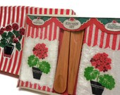 MIB Spunwell Kitchen Set Ensemble: Geranium Towels and Salad Serving Utensils - melmacparadise