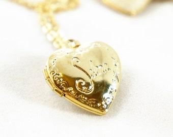 10% OFF Tiny Vintage Selena Heart Locket Necklace - Bridesmaids Gifts Idea - Romantic Gift Idea