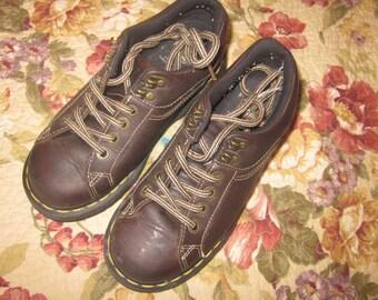 dr martens., U.S. sz 5. doc marten shoes, doc martens