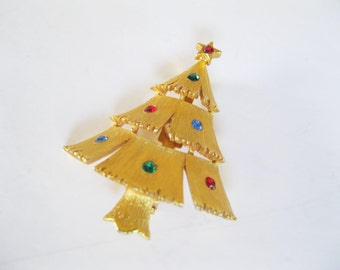 JJ Christmas Tree Brooch Gold Tone Vintage Holiday Pin