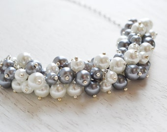 Grey white pearl cluster necklace, chunky cluster pearl necklace, white pearl, beaded necklace, chic, boho, bridesmaid gift, pearl necklace