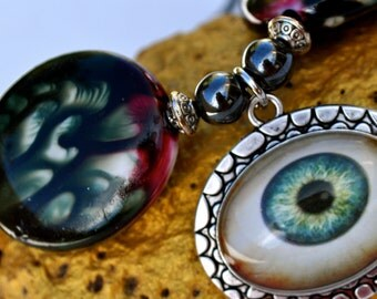 Mad Eye - Necklace with an EyeBall Charm