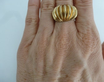 CHUNKY Vintage Golden Dome Ring - Gold Tone Heavy and Bold