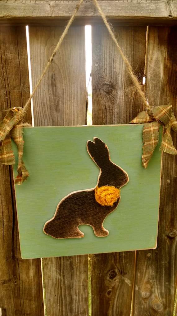 Shabby chic bunny wallhanging