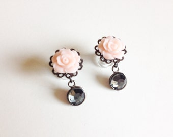 2g Dangle Plugs Soft Peach Rose with Gunmetal Sparkle Beads Flower Ear Plugs Dangle Gauges Wood Tunnels/Steel Screw Back Plugs/Acrylic