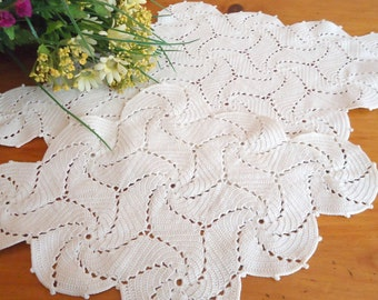 2 Crocheted Doily  Doilies White Vintage Doilys Lot  B162