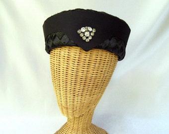 Vintage Ladies Hat Roberta Bernays Navy Blue Straw Rhinestones