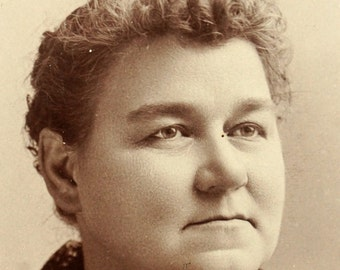 Antique Photograph Cabinet Card of Woman from Indiana (c.1880s) - Collectible, altered art, and more