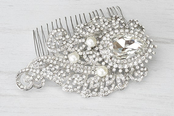 Exquisite bridal crystal hair comb. Hair jewelry wedding. Bridal combs hair. Rhinestone bridal hair comb. Bridal comb. Wedding hair jewelry