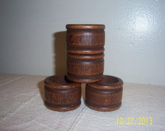 Wooden Napkin Ring Holders  -  Set of 4 -  Wood Napkin Holders Set  -  Vintage Napkin Bands  -  Retro Napkin Bands