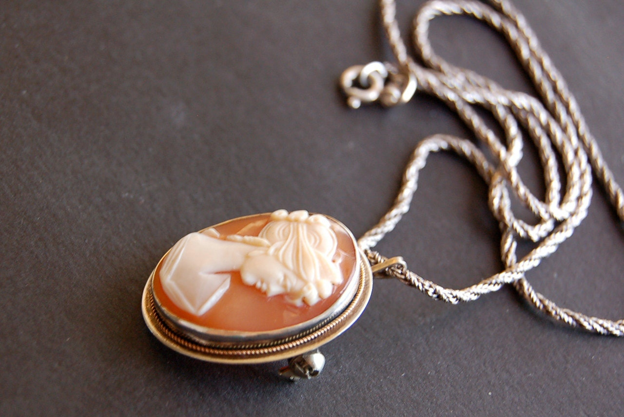 vintage italian shell cameo pendant brooch left by vrendon