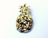 Lush Gold Pineapple Brooch