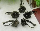 10 pcs Antique Brass Filigree  Flower (13mm) Earwires Hook .Nickel Free