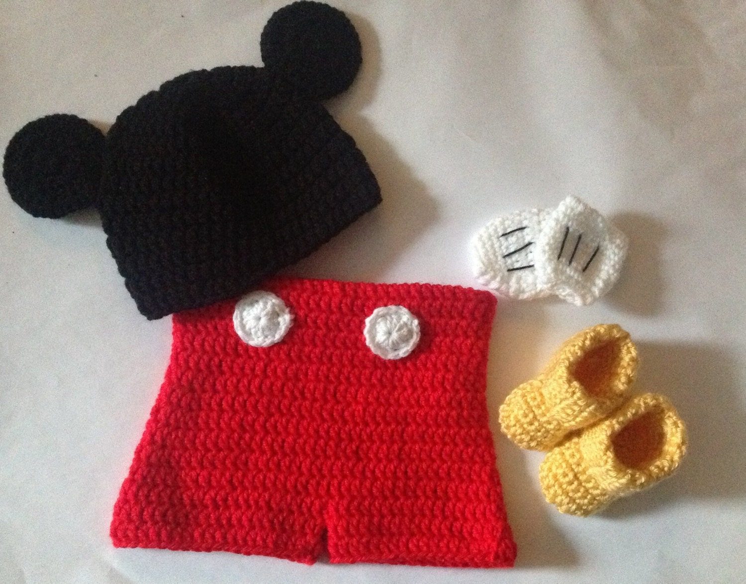 Cupcake Knitting Pattern : Crochet Mickey Mouse outfit set in PDF Pattern Mickey Mouse