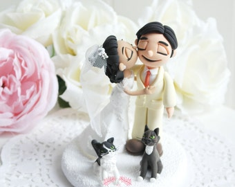 Custom Cake Topper- Kissing couple with 2cats