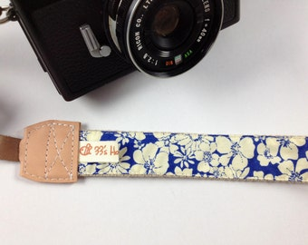DSLR Camera strap---Blue and white flowers