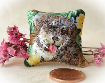 "Dollhouse Miniature Decorator pillow ""Loveable Mutt"" - 1:12 scale"