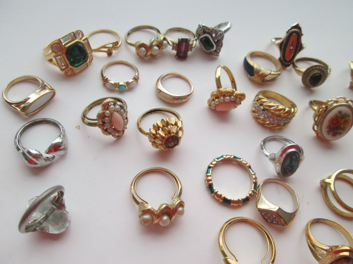 Large Lot Vintage Avon Jewelry Costume Rings Over 40 Pieces