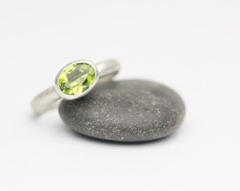 Faceted Peridot and Sterling Silver Ring, Modern and Minimalist, August Birthstone, Size 7