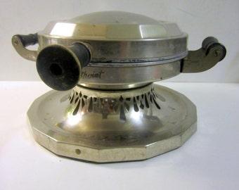 REDUCED - Vintage Round Waffle Maker