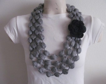 Gray Bubble Scarf Necklace With Black Flower