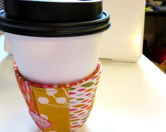Red and Mustard Drops Coffee Sleeve