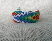 Friendship Bracelet - Rainbow Arrow Pattern
