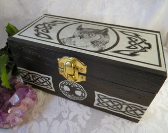 Celtic Owl Box with Celtic Knotwork / Wooden Owl Jewelry Box / Owl Totem Magic / Box Pagan Wiccan Crystal Herb Box / Dragon Star Creations