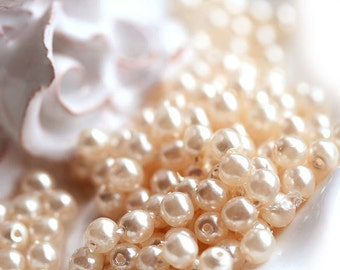 Peach Beige Faux pearls czech glass beads  - round spacers, druk, small - 4mm - approx.80Pc - 1287