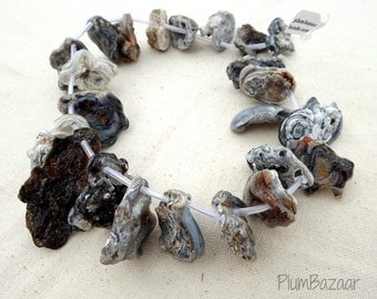 "Top drilled quartz geode beads, 15"" graduated strand, very unusual"