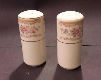 Salt and Pepper Style House Chippendale Vintage