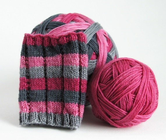 PILLOW TALK Self-striping sock yarn
