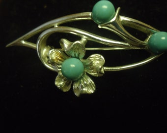 Sarah Coventry's Silvertone Faux Turquoise Flower Brooch
