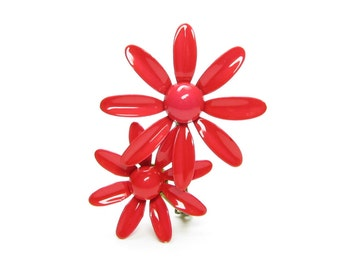 Red Daisies Brooch Vintage Enameled Metal Flowers on Retro Daisy Pin
