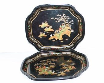 Pair of Vintage Worcester Ware Chinese pattern tin trays