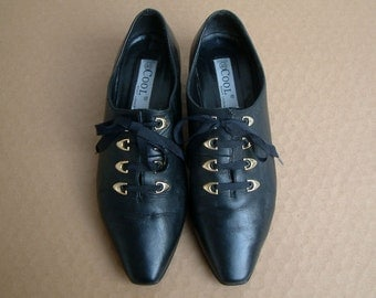 Vintage 80s black leather lace up shoes size EUR 39, US 8.5, UK 6