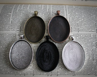 50 Large Oval Pendant Trays blank  Silver Plated or Antique Bronze Bezels Settings 30 mm x 40 mm Photos Charms