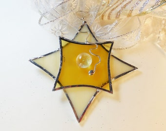 Yellow Christmas Star. Suncatcher, Christmas ornament. Stained Glass Star.