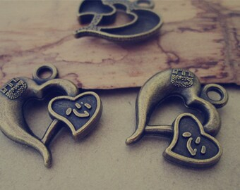 20pcs of  Antique Bronze love heart pendant charm 23mmx21mm
