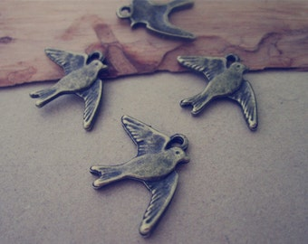 50pcs Antique bronze bird charm Pendant 18mmx23mm