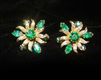 Emerald Green Rhinestone Earrings Gold Flower Clip c1960's Holiday Dazzlers