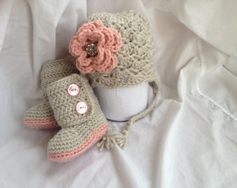 Crochet Baby Boots with Flower Bean Hat