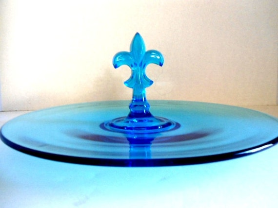 Large fostoria french blue serving tray center fleur de lis - Fleur de lis serving tray ...